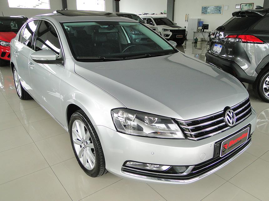 Automóvel Volkswagen Passat 20 T 2014