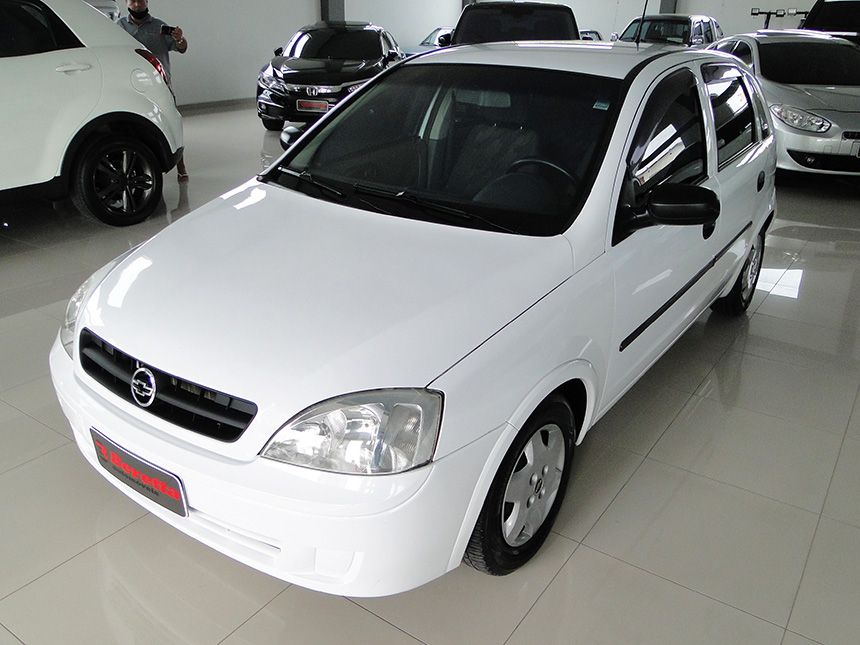 automovel-chevrolet-corsa-hatch-2003-2