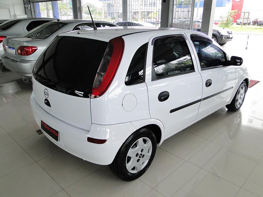 automovel-chevrolet-corsa-hatch-2003-4