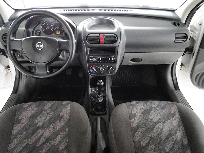 automovel-chevrolet-corsa-hatch-2003-7