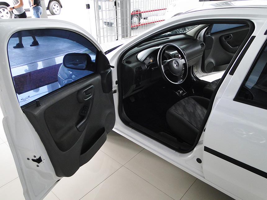 automovel-chevrolet-corsa-hatch-2003-8