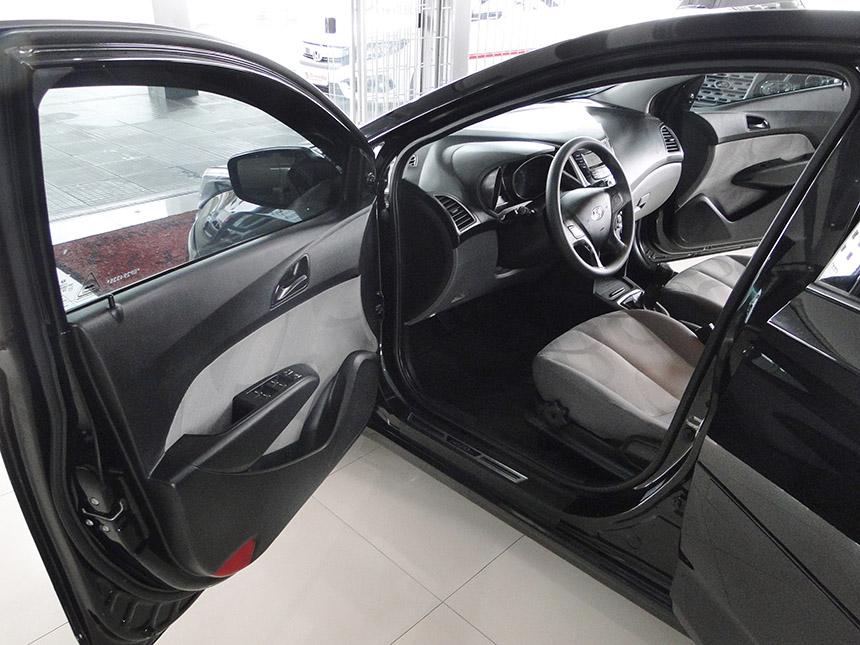automovel-hyundai-hb20-s-10m-conf-2014-8