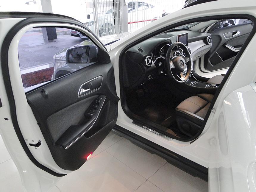 automovel-mercedes-benz-gla-200-ff-sty-2018-8