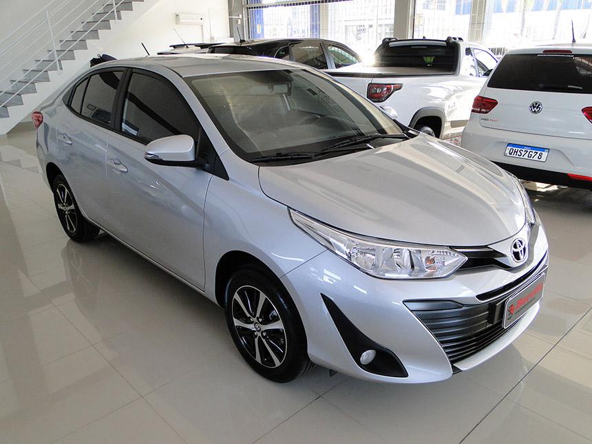 automovel-toyota-yaris-sa-xs-15cnt-2020