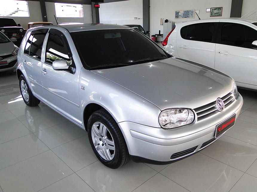 automovel-volkswagen-golf-16-plus-2004 | Beretta automoveis