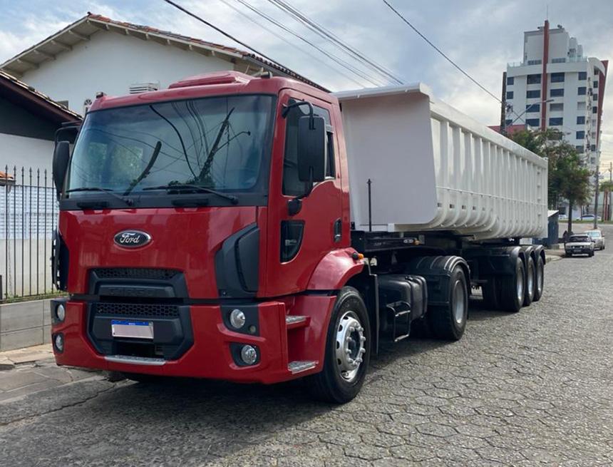 Caminhão ford cargo 1932 cnt 2012-1