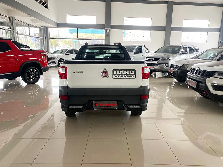 Camioneta fiat strada HD WK CC E 2020-5 na Beretta Automóveis em Criciúma