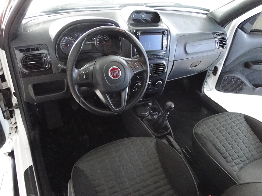 Camioneta Imagem do Interior camioneta-fiat-strada-adventure-flex-2018