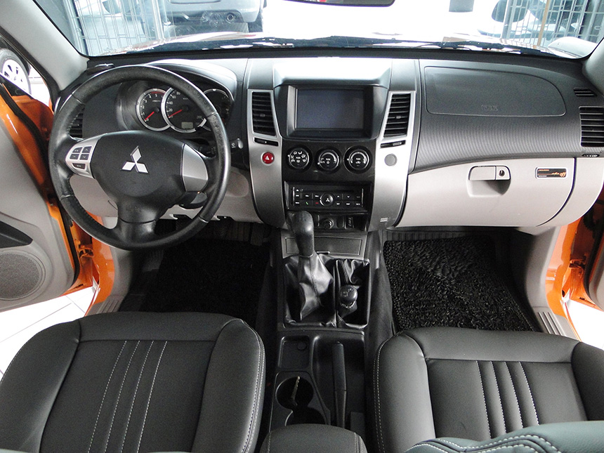 camioneta-mitsubishi-l200-triton-savana-2016-6
