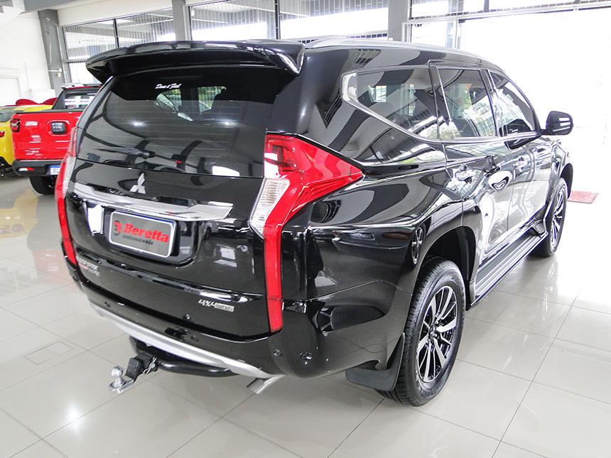 Camioneta mitsubishi pajero sport hpe 2020 em Criciúma(6)