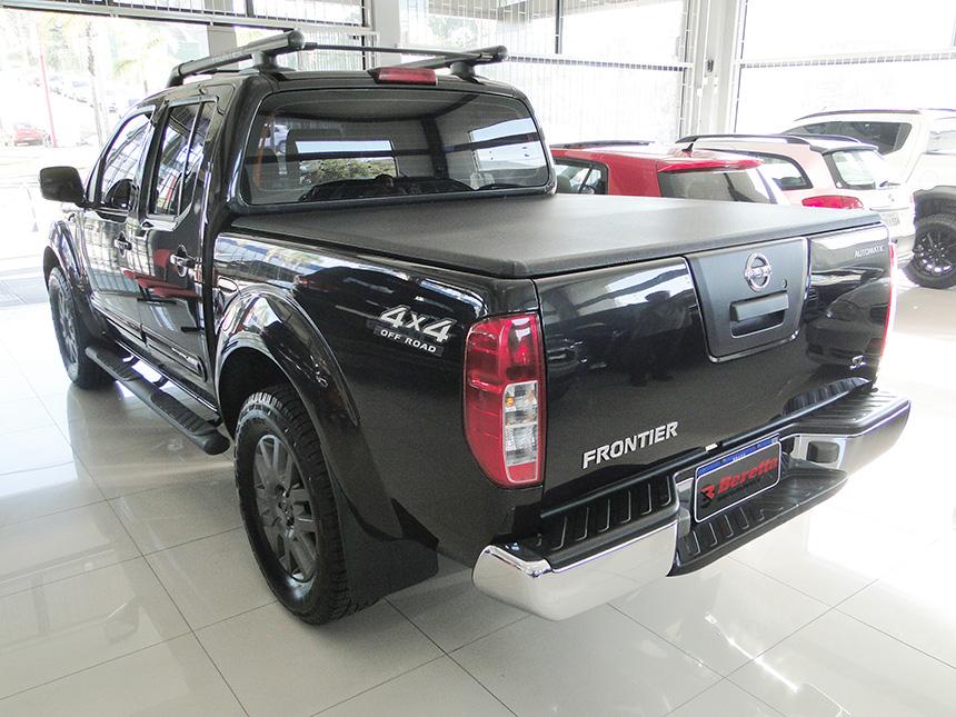 Camioneta nissan frontier sl 4x4 2014-4 em Criciúma