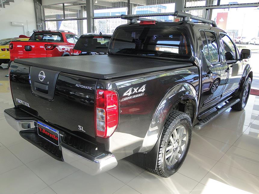 Camioneta nissan frontier sl 4x4 2014-6 em Criciúma