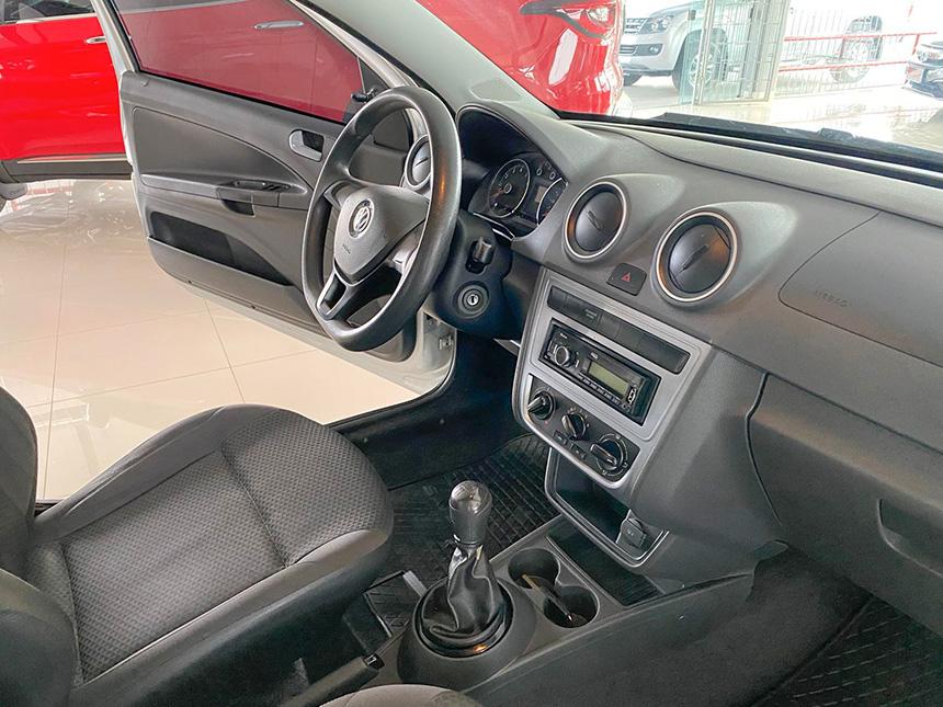 Camioneta Volkswagen Nova Saveiro 2017-10 na Beretta Automóveis em Criciúma